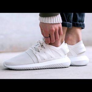Adidas Tubular!